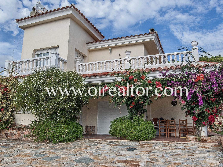 Продается дом в Санта-Кристина, Бланес