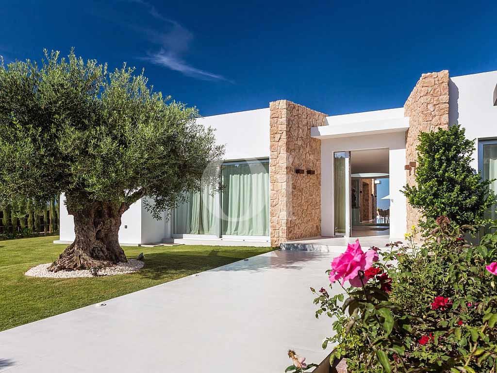 Lujosa casa en venta en Cala Conta, Ibiza
