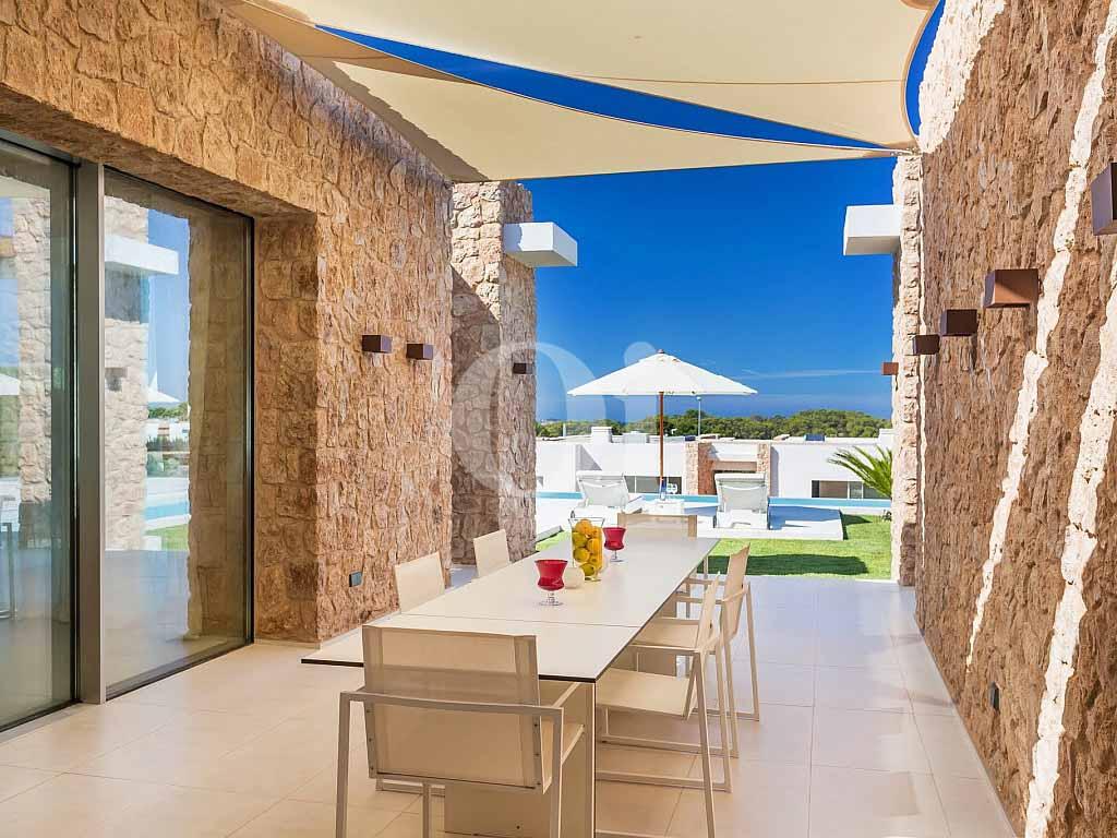 Magnificas vistas exteriores a la terraza en casa en venta situada en Ibiza