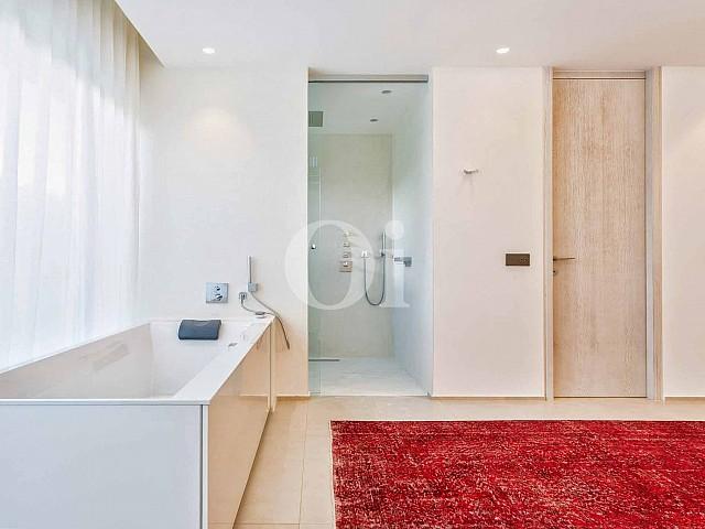 Ванная комната на вилле на продажу на Ибице