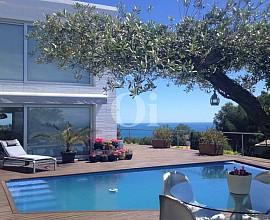 Selecta propiedad en venta en primera linea de mar en Tarragona