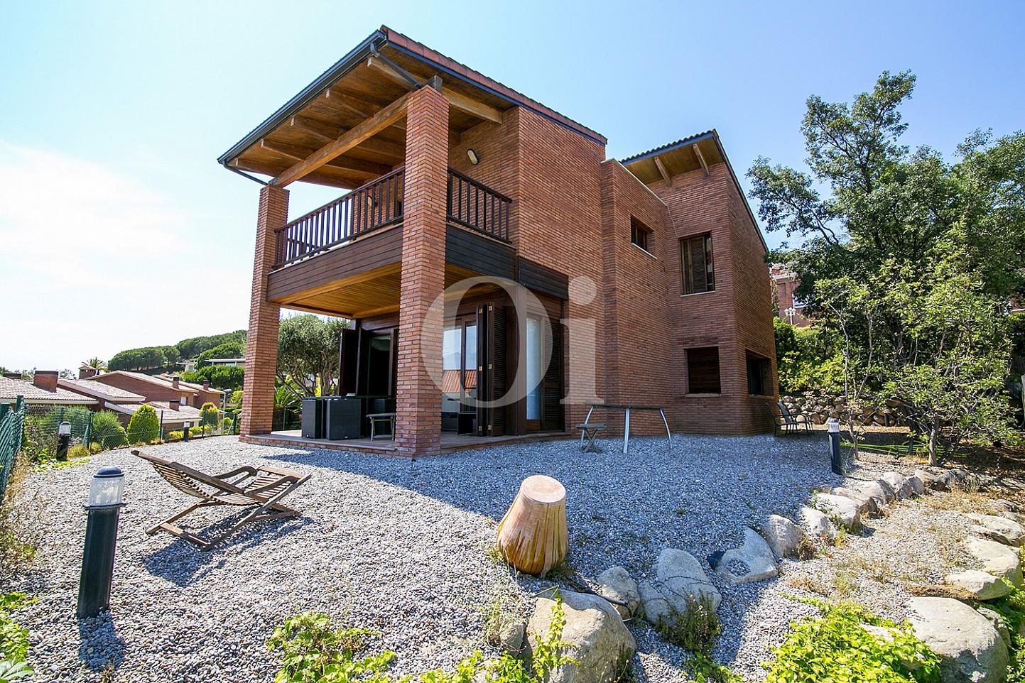 Экстерьеры дома на продажу в  Sant Berger de Teià