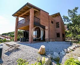 Casa en venta en Teia proyectada por el arquitecto catalán Cuixart Goday
