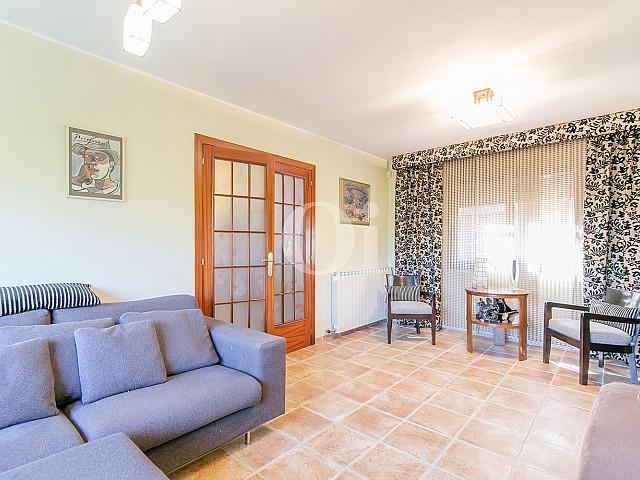 Гостиная дома на продажу в Vallvidrera, Барселона