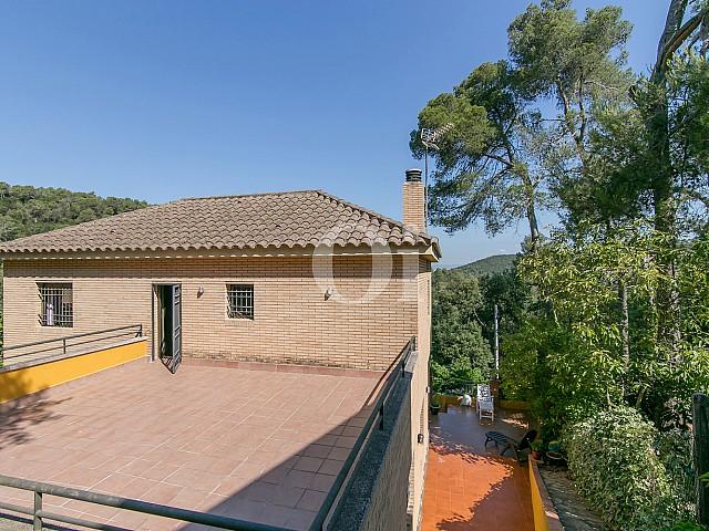 Экстерьеры дома на продажу в Vallvidrera, Барселона
