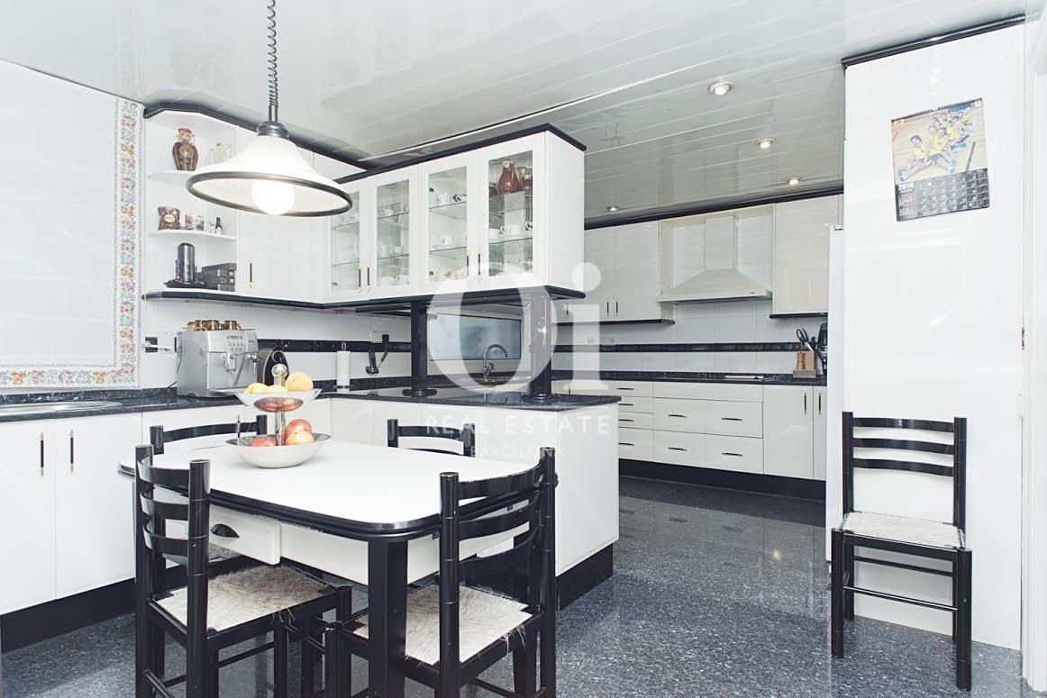 Роскошный семейный дом в лучшем районе Sant Just, Барселона