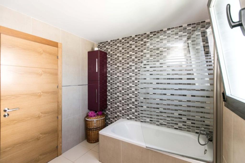 Ванная комната дома в аренду в Jesús, Ибица