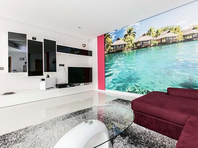 Lujoso comedor con mucha luminosidad en exclusiva casa en alquiler situada en Ibiza