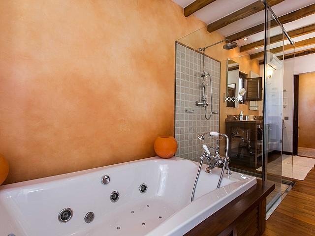 Превосходная ванная комната дома в аренду в Puig d'en Valls, Ибица