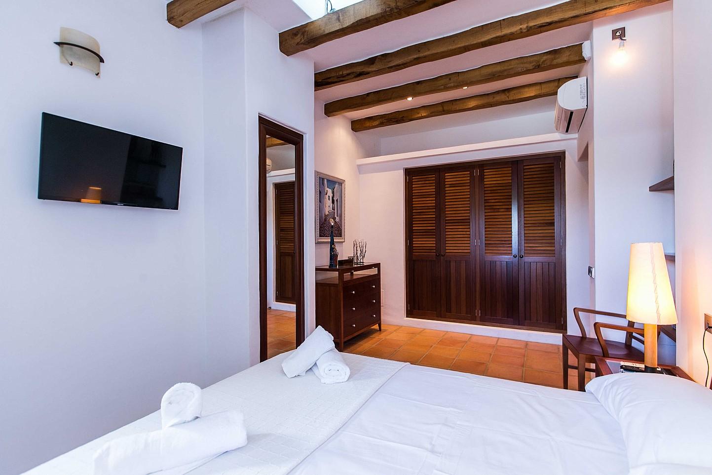 Шикарная спальня дома в аренду в Puig d'en Valls, Ибица
