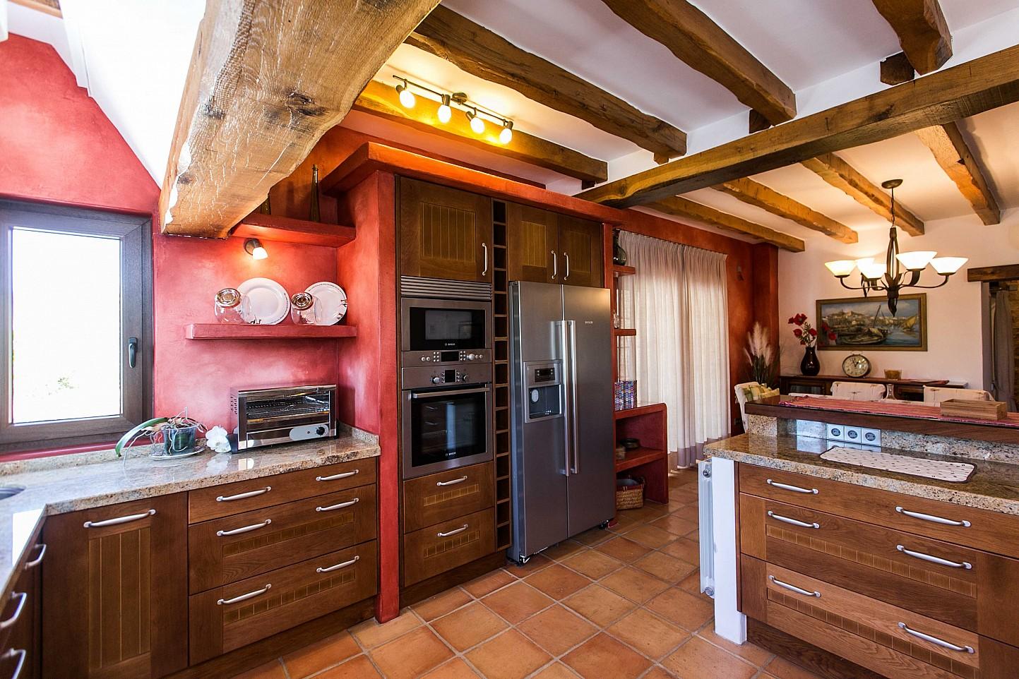 Cocina de sensacional estancia en alquiler ubicada en Ibiza