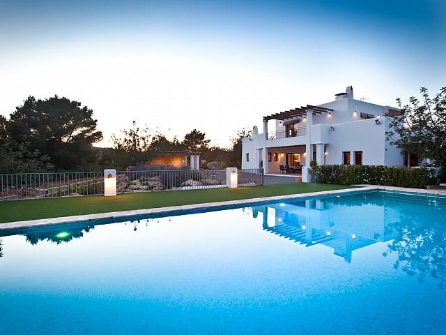 Шикарные виды дома в аренду в Puig d'en Valls, Ибица