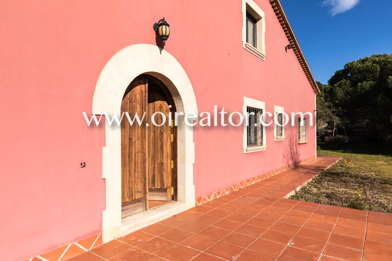 Загородный дом на продажу в Матаро