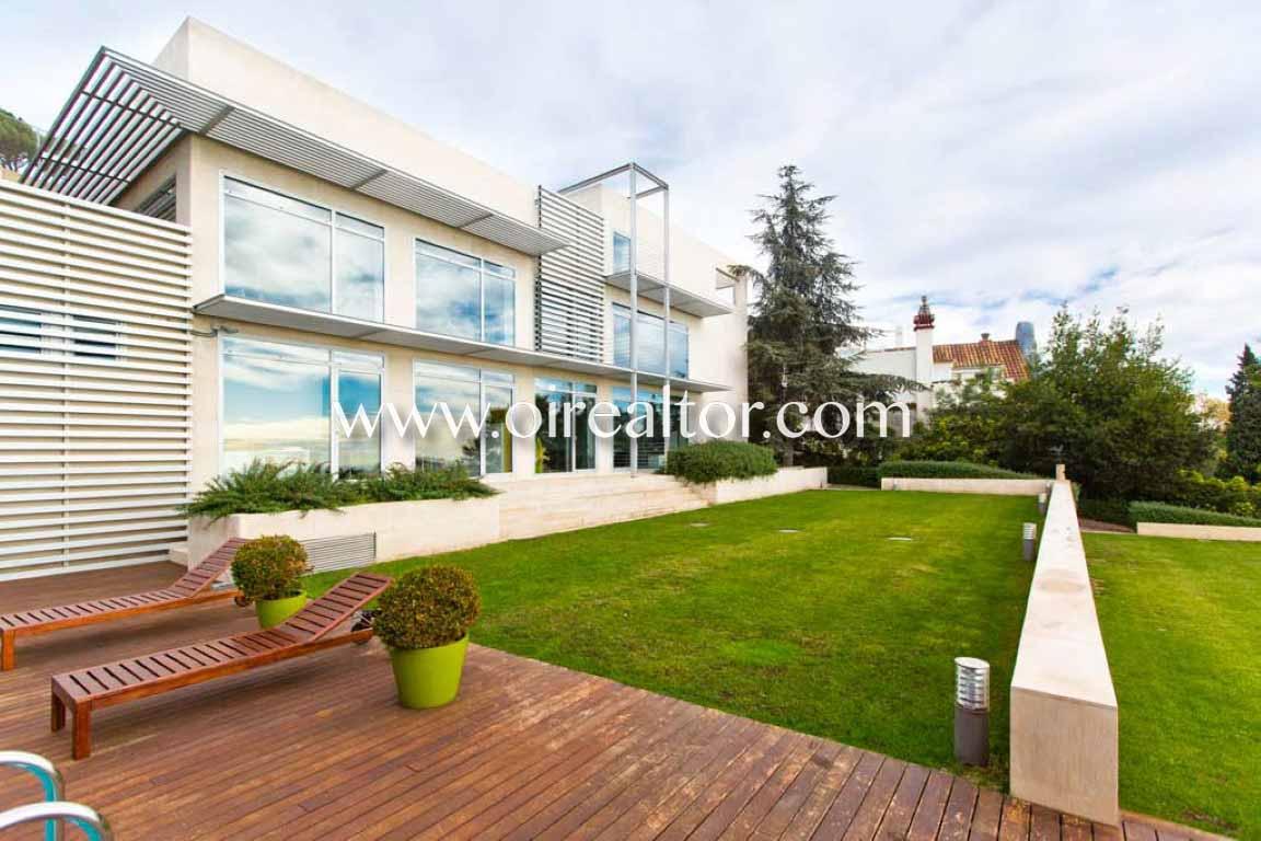Продается дом в Сант Жервази, Барселона