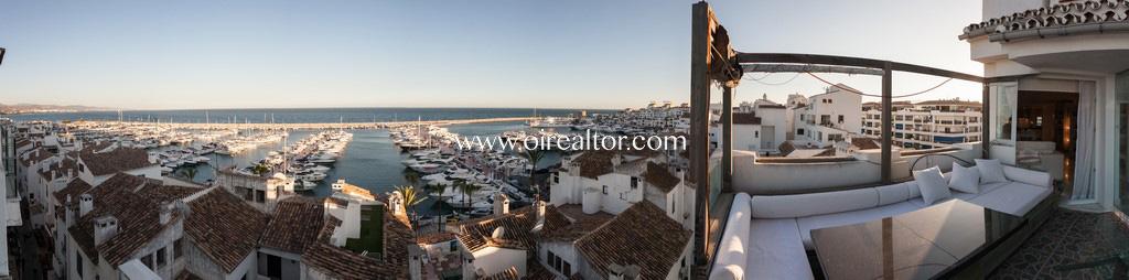 Роскошный дуплекс пентхаус на продажу на второй линии пляжа в Пуэрто Банус де Марбелья