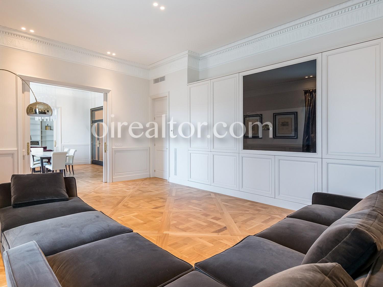 Продается квартира в Сант Жервази - Гальвани, Барселона