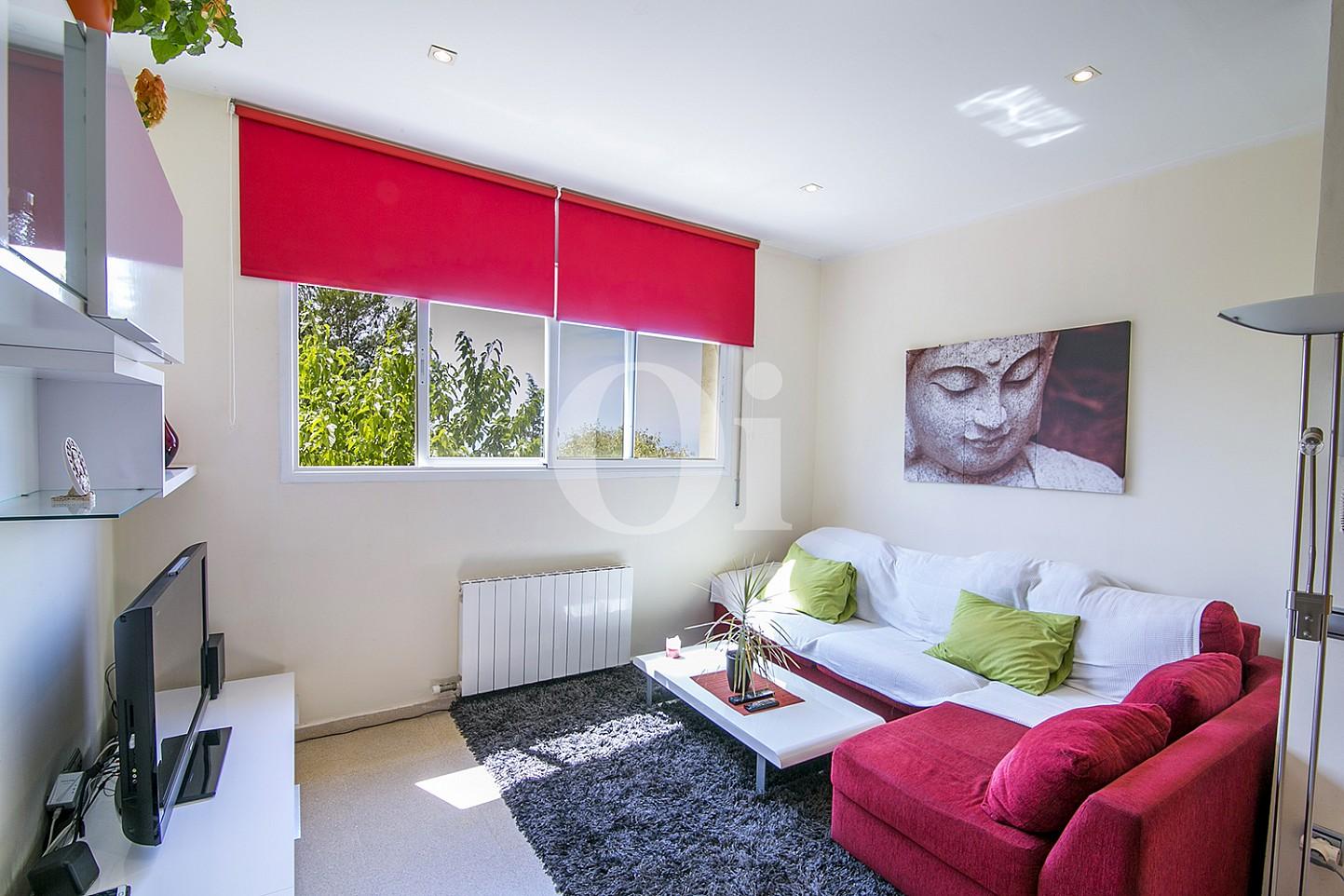 Дополнительное жилье с кухней, комнатой и ванной комнатой эксклюзивного жилья на Mas Ram в Бадалоне