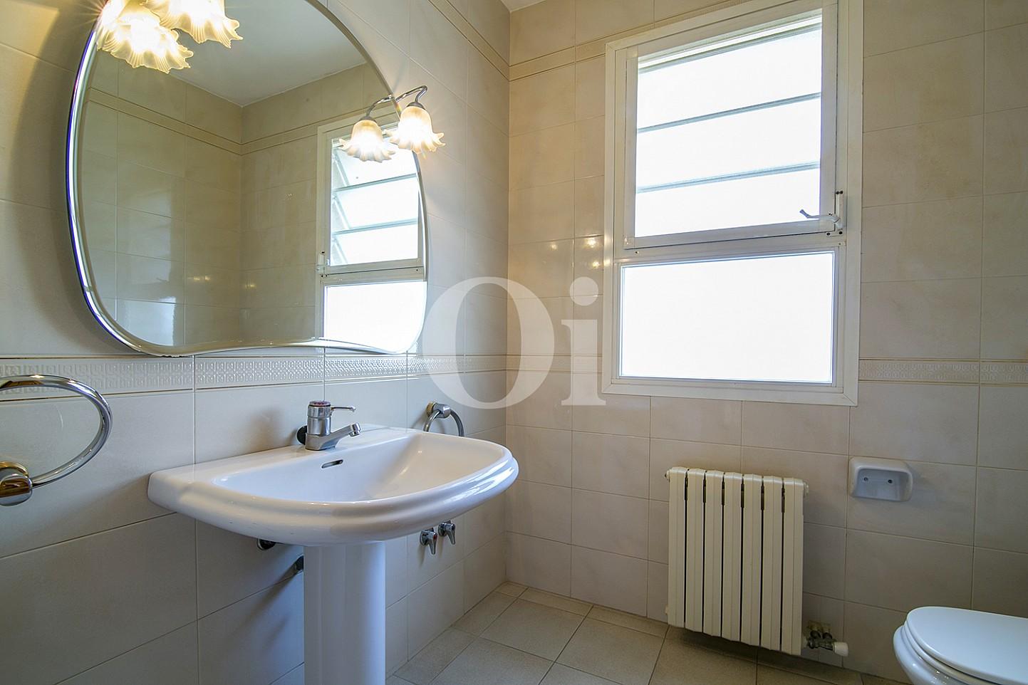 Ванная комната эксклюзивного жилья на Mas Ram в Бадалоне