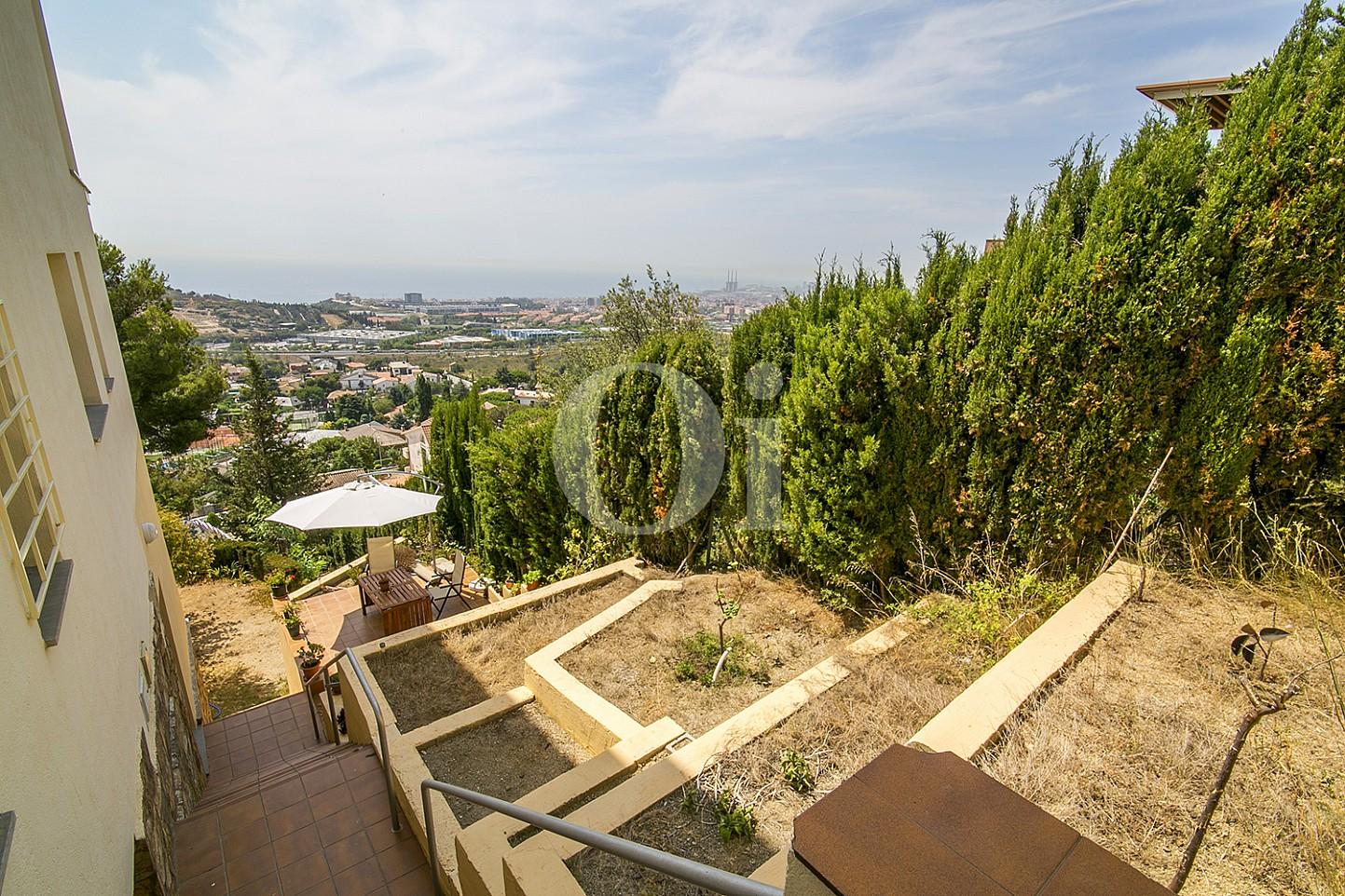 Вид на море и горы эксклюзивного жилья на Mas Ram в Бадалоне
