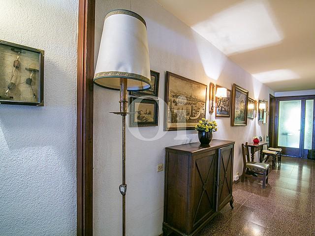 grande salle avec vue sur plat décoré à vendre Caldetas
