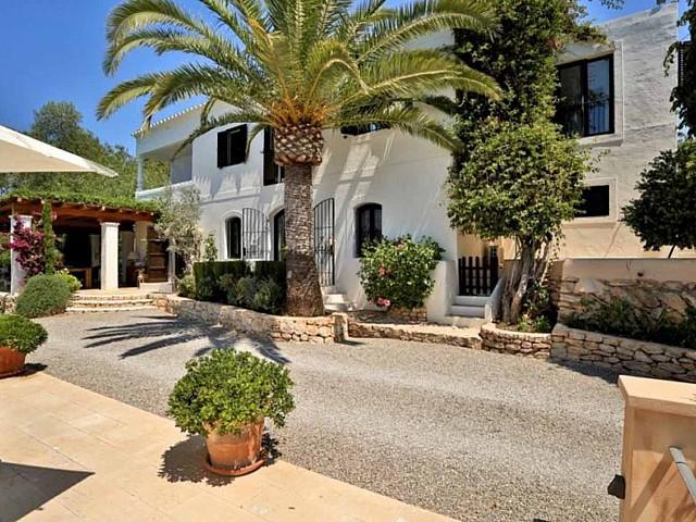 Alrededores de preciosa villa en alquiler en Santa Getrudis, Ibiza