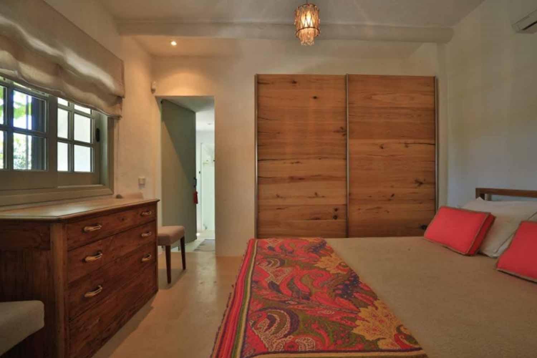 Спальня прекрасной виллы на продажу в районе Santa Getrudis, Ibiza