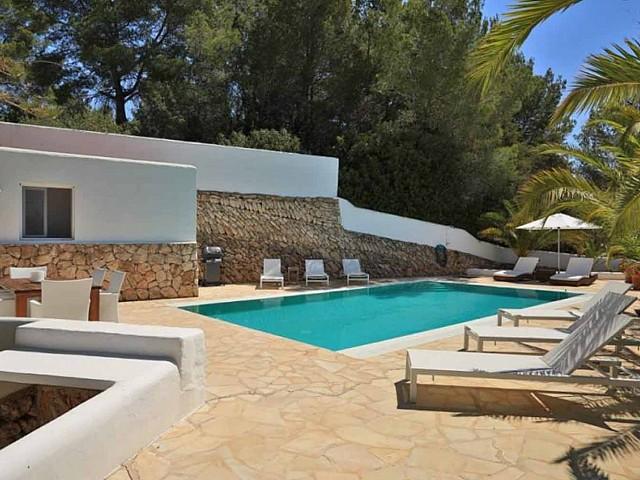 Шикарные виды прекрасной виллы на продажу в районе Santa Getrudis, Ibiza