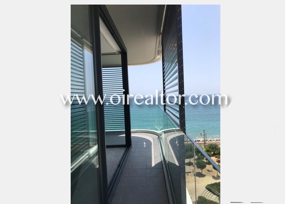 Продается квартира на первой линии моря в Матаро