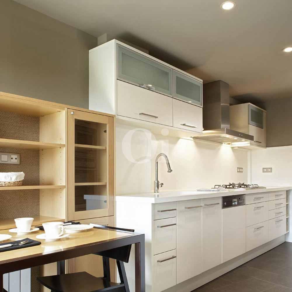 Cocina de precioso apartamento en Sant Gervasi - La Bonanova