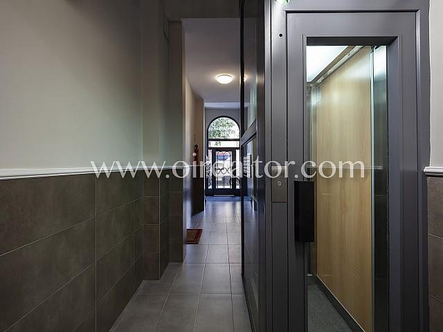 12 Entrada, piso en venta en Barcelona