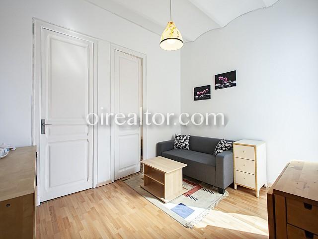 02 Salón, piso en venta en Barcelona