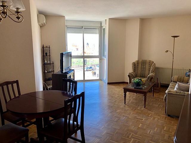 Аренда квартиры на улице Марселя в Мадриде Росас