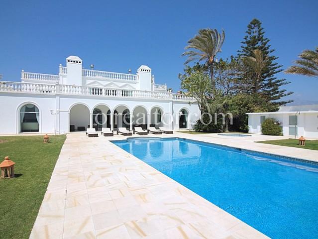 Casa en venta en Estepona, Marbella-Málaga