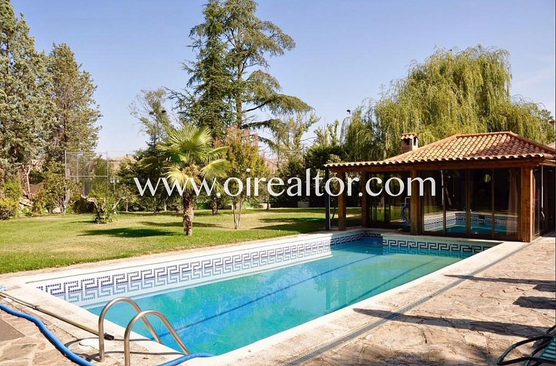 Продается дом в Трес Кантос, Мадрид