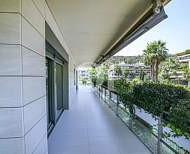 Pis en venda en l'exclusiu complex residencial Torre Vilana, Barcelona