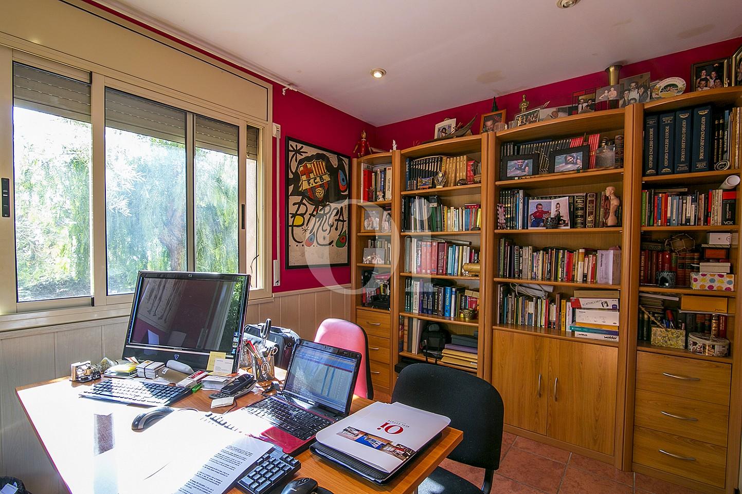 Despacho de maravillosa casa en venta en Mongat, Maresme