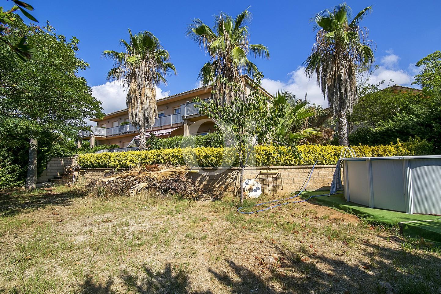 Jardín de maravillosa casa en venta en Mongat, Maresme