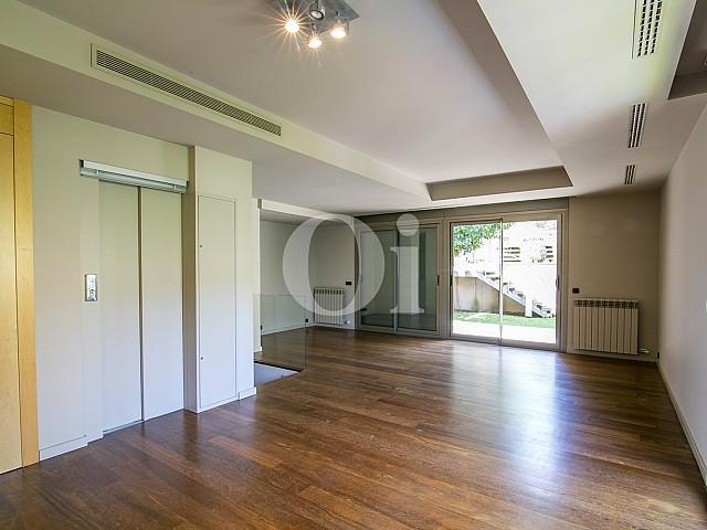 Neues Haus zum Verkauf im oberen Viertel von Barcelona