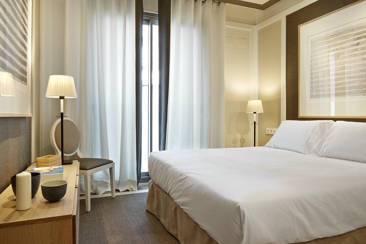 vista de habitacion doble en suite en piso en venta de nueva promocion en Sants