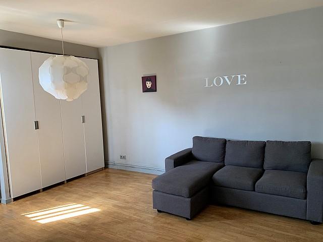 Location d'un appartement dans la rue d'Ibiza