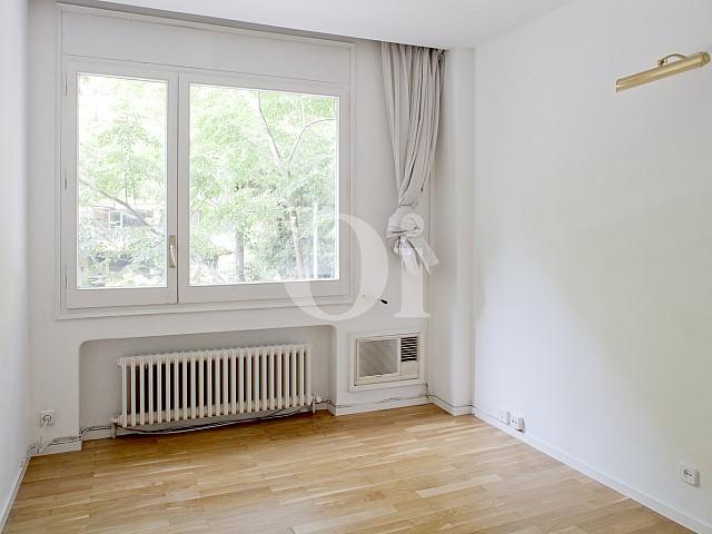 Habitación individual de apartamento en alquiler en enclave privilegiado en Pedralbes