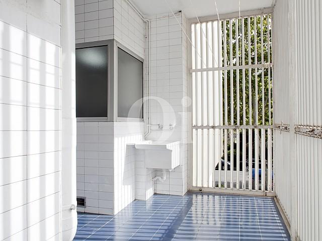 Baño de apartamento en alquiler en enclave privilegiado en Pedralbes