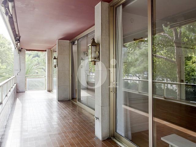 Balcón de apartamento en alquiler en enclave privilegiado en Pedralbes