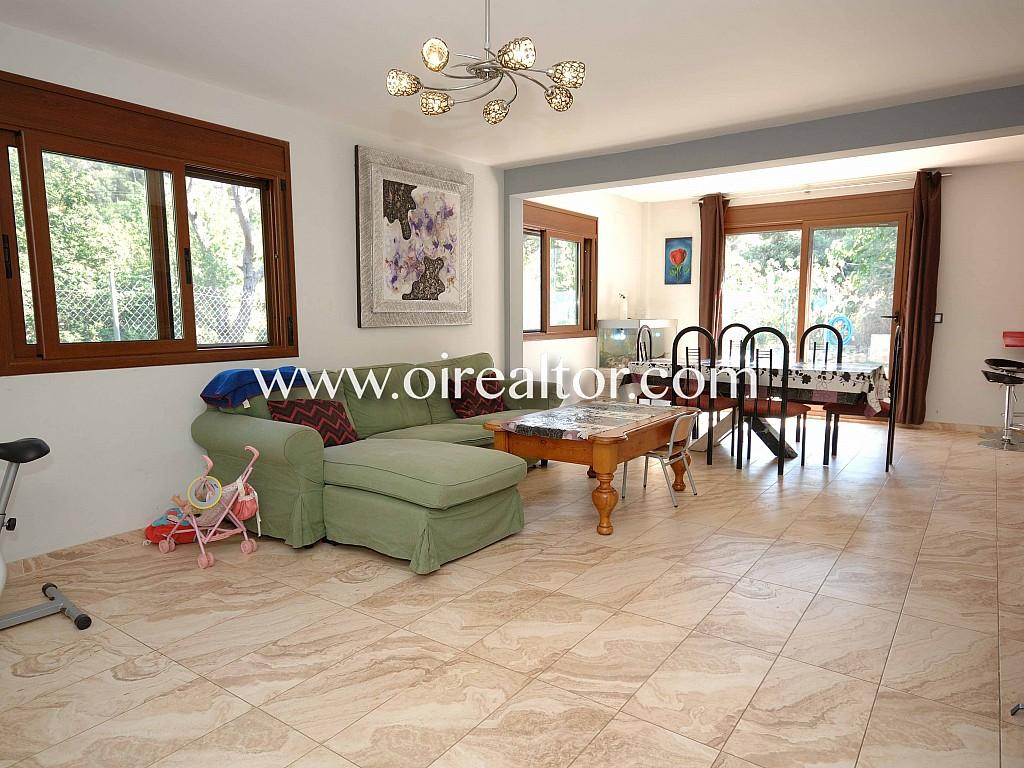 Продается дом в Урб. Les Ginesteres в Аржентоне