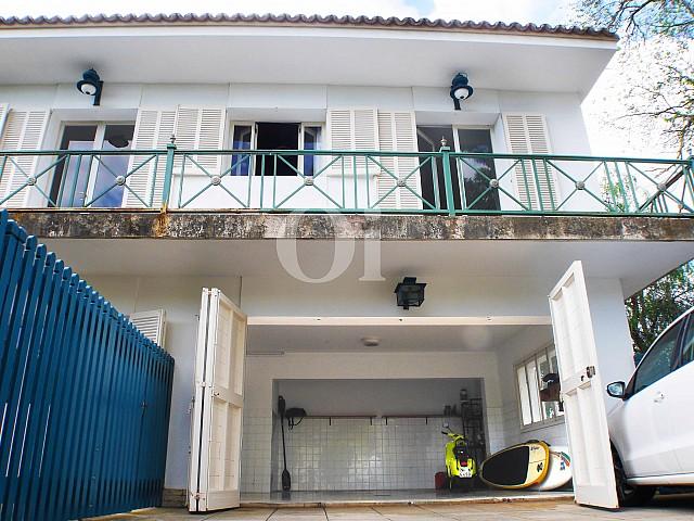 Fachada de casa en venta con potencial en Manacor, Mallorca