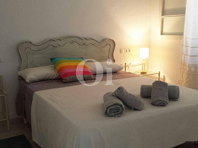 Dormitorio de encantador apartamento en venta en S'Illot, Mallorca