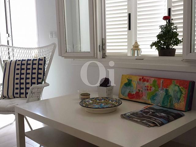 Salón-comedor de encantador apartamento en venta en S'Illot, Mallorca