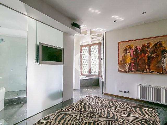 Pasillo de sofisticado piso en venta en Pedralbes, Barcelona