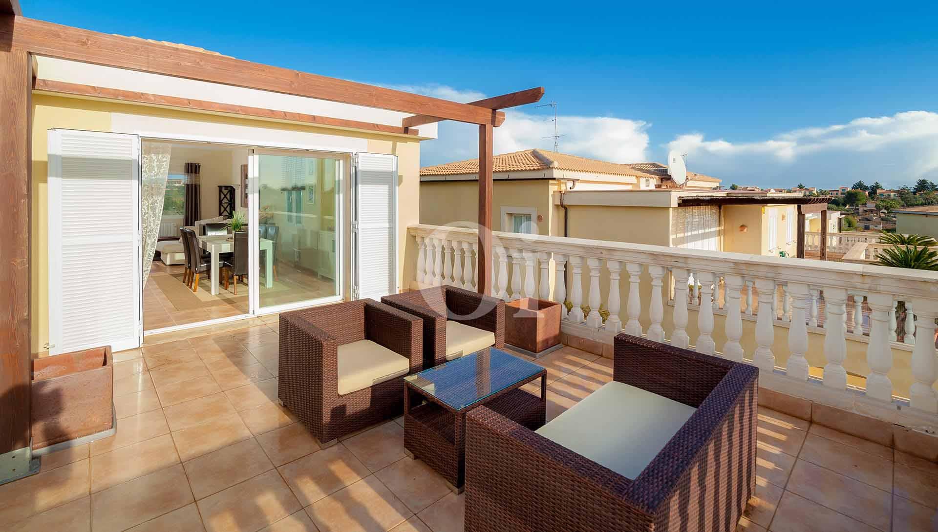 Comedor de verano de apartamento nuevo en venta en Porto Cristo, Mallorca