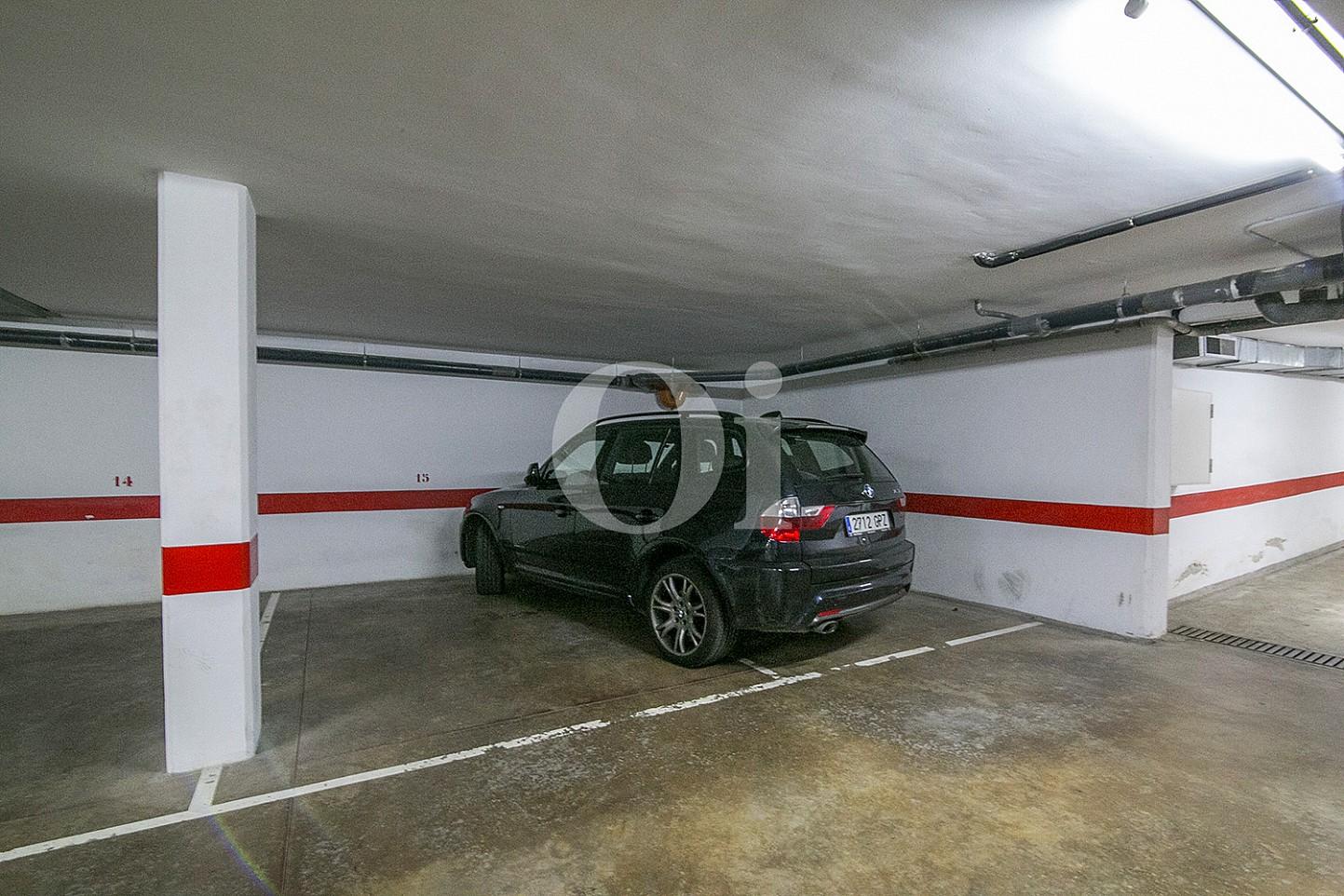 Garaje de lujoso ático dúplex en venta en S'Agaró, Costa Brava
